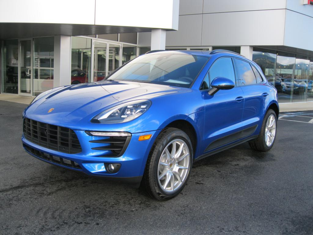 New 2018 Porsche Macan Base